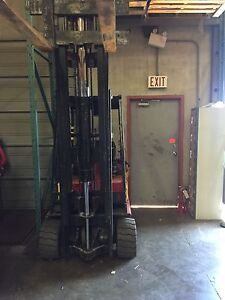 Electric forklift and Pallet stacker