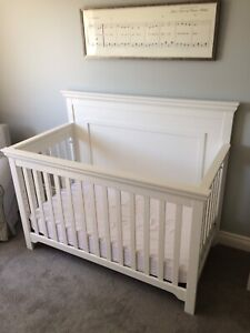 3 in 1 White Convertible Crib with mattress