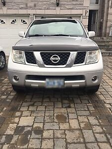 2005 Nissan Pathfinder SE (as is)