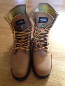 Men's Work boots size 13 CSA approved