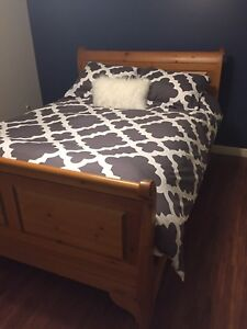 Queen size sleigh bed frame (sold ppu)
