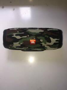 JBL Charge 3  Green Camouflage