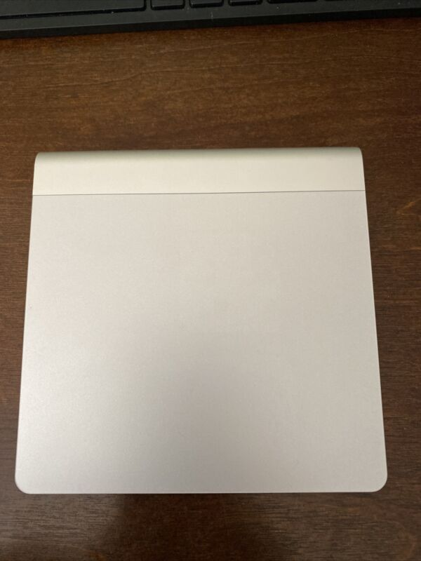 Used Apple Magic Trackpad  Bluetooth Wireless MC380LL/A A1339 Working Condition