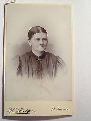 St. Ingbert - Frau im Kleid mit Scheitel - Portrait / CDV