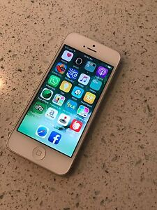 iPhone 5 32GB in excellent condition Yokine Stirling Area Preview