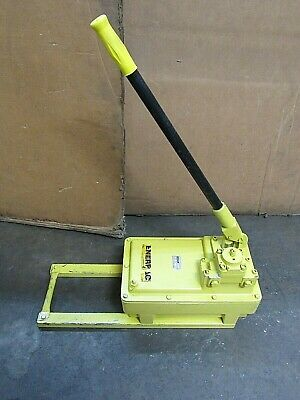 Enerpac Hydraulic Hand Pump P-464 P464 10000 Psi - Used