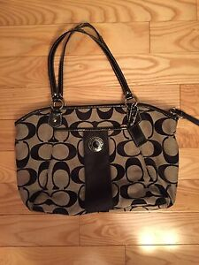 Authentic Coach purse and matching wallet  London Ontario image 1