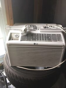 Air conditioner - like new