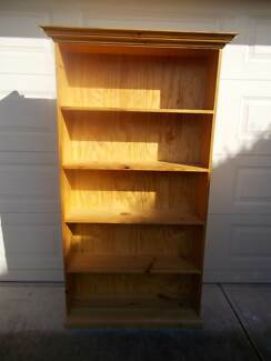 Timber Bookcase Bookshelf 5 Shelves for storage