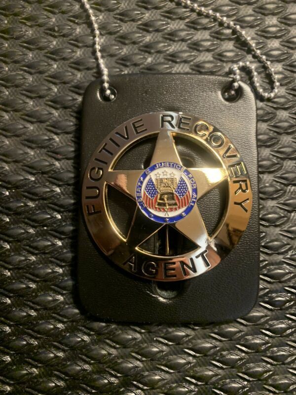 Fugitive Recovery Agent Gold Badge w/ Leather Dog  The Bounty Hunter BEA FRA