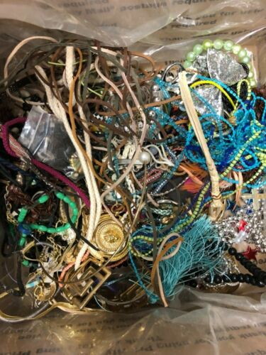 CRAFTING ITEMS - 14 lb bulk lot of BROKEN costume jewelry/oddments for crafts