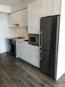 Gorgeous 1 BDRM Luxury Apartment (Yonge/Eglinton) $2150