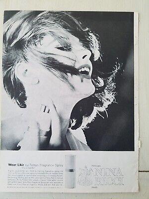 1962 Nina Ricci Wear L'Air du Temps perfume fragrance spray bottle ad