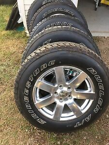 Sppu.  5 18 inch jeep rims with dueler tires