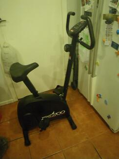 YORK HOMECYCLE 270UPRIGHT MAGNETIC EXERCISE BIKE HOME FITNESS GYM Maribyrnong Maribyrnong Area Preview