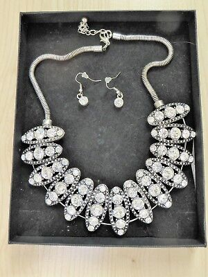 SILVER TONE CLEAR CRYSTAL NECKLACE & EAR RING SET COSTUME JEWELLERY