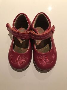 Girls shoes size 5.5 Bateman Melville Area Preview