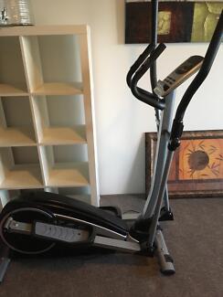 Eclipse exercise machine