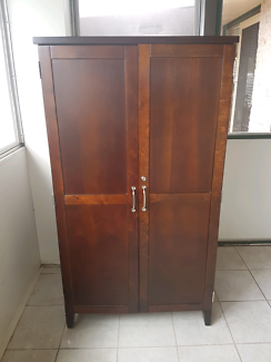SOLD PENDING PICKUP Computer desk / cabinet / cupboard