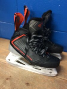 Easton Mako 8.5EE Skates