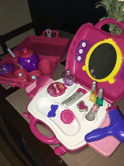 Peppa pig tea set and Beauty Set