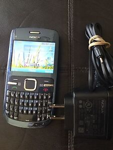 Nokia C3 cell phone