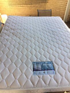 Queen size bed mattess