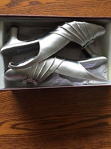 Stables women's Ann shoes size 8-D