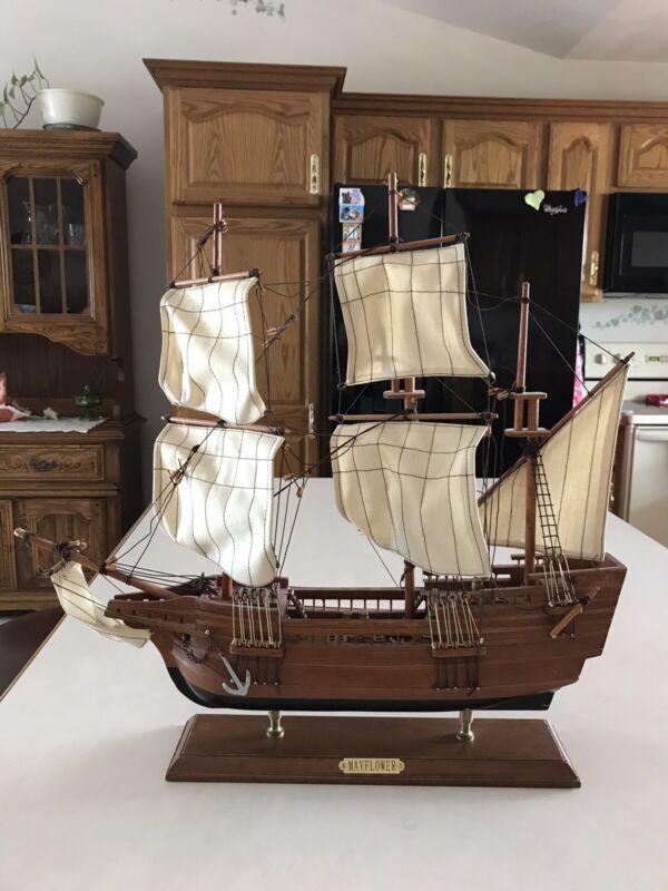 "Heritage Mint Mayflower Wooden Model Ship 20""x21"""