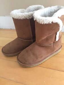 Children's size one Ugg Boot (Imitation)