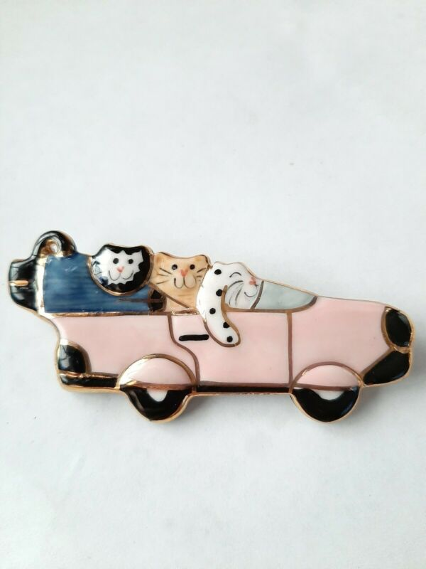 Vintage Hand painted Cats In Pink Car Pin Brooch Gold Accents.
