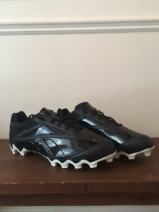 Football cleats spikes crampons