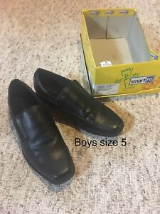 Boys shoes size 4-6
