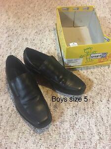 Boys shoes size 4-6