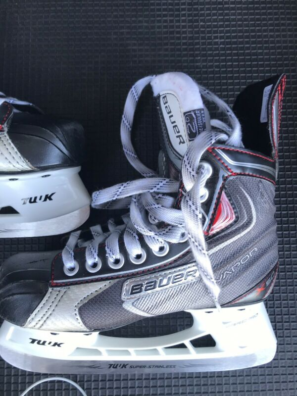 Bauer Vapor X50  Youth Hockey Skate Size 2D