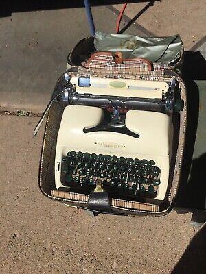 Rare VTG 1957-58 Voss Wuppertal De Luxe Cream Typewriter & Case West Germany