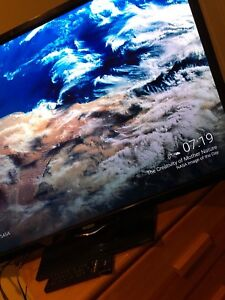 """40"""" tv with chromecast and remote and working batteries"""