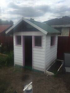 Kids cubby house Skye Frankston Area Preview