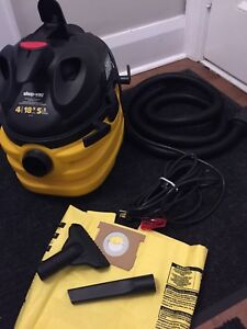Shop vac  wet/dry 18.9L, 5.5HP --- Heavy duty -- never used