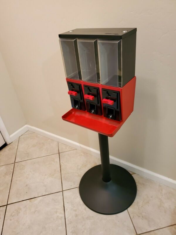 Red Vendstar 3000 Used Candy Vending Machine w/ Locks and Keys