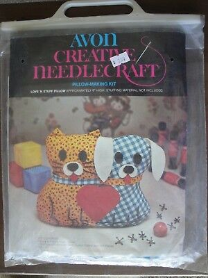 AVON Creative Needlecraft Pillow Making Kit Love N Stuff  1974 Cat Dog Pillow ()