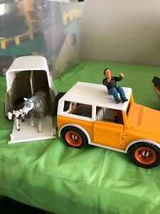 2003 schleich jeep and horse trailer
