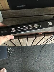 3D /wifi/blue ray player