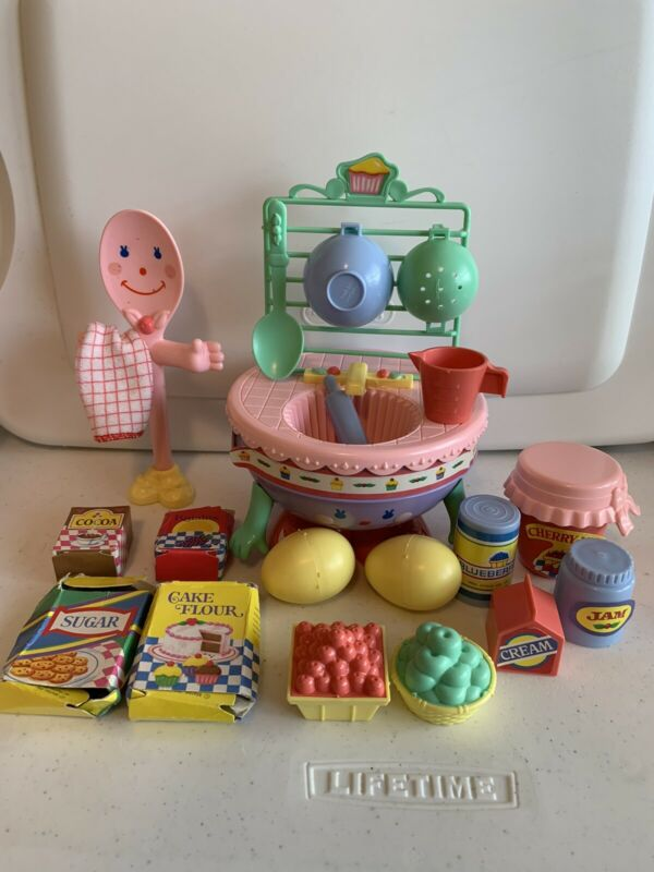 Vintage 1988 Cherry Merry Muffin Mix N Wash Deluxe Kitchen Playset Near Complete
