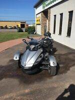 2009 Can-Am Spyder™ SE5 Charlottetown Prince Edward Island Preview