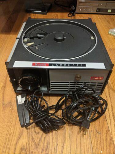 Vintage 1960s Kodak CAROUSEL 550 Slide Projector W/ Power Cord+Remote