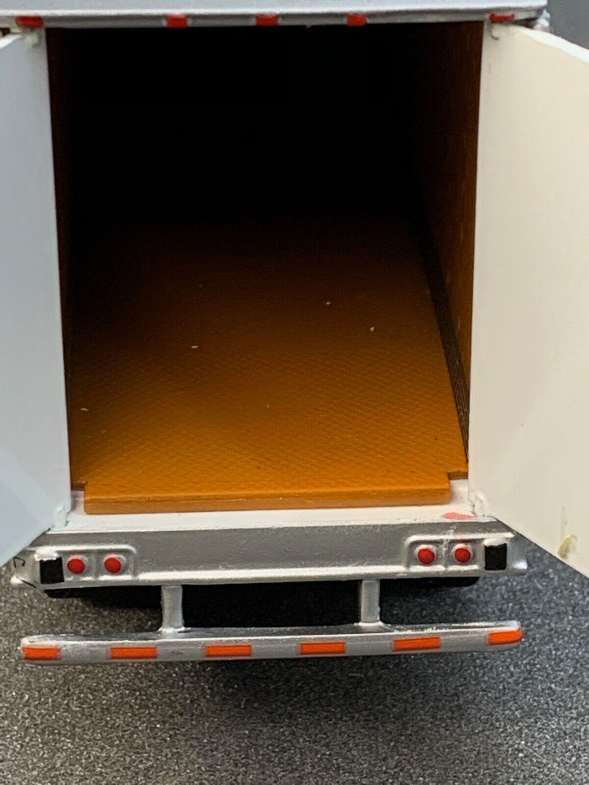 1/64 DCP SIMON'S TRUCKING  53' UTILITY 3000D-X DRY VAN TRAILER W/ WIND SKIRTS 2