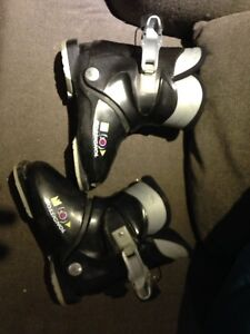 Kids youth ski boots size 205 2 or 3