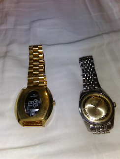 Watches old mechanical titus and tenor dorly working