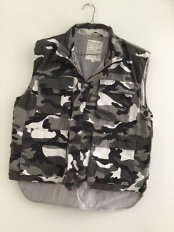 Army style jacket good condition size extra large